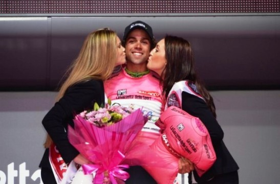 michael-matthews-orica-greenedge-team-podium-stage-2-giro-d-italia-2014
