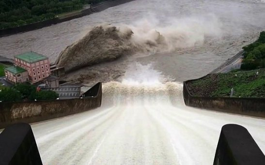dam-water-release_3457244b