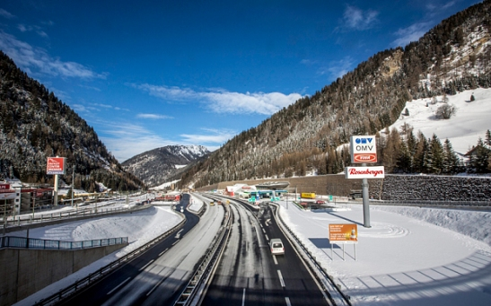 Border controls reinstate between Austria and Italy at Brenner Border