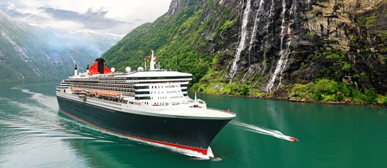 SYZ03_Slideshow_QM2_in_Fjords