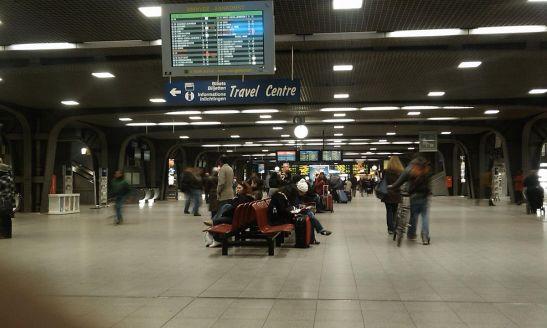 1200px-Gare_de_Bruxelles-Midi_Station_Brussel-Zuid
